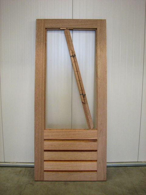 Hardhouten buitendeur bouwmaterialen for Vijverfolie gamma